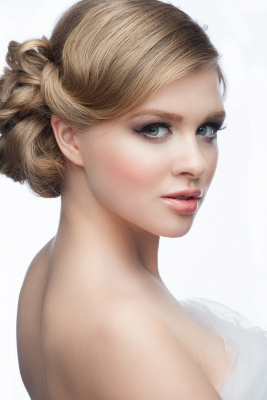 Penteados de Casamento Noiva Sítio do Morro - Penteados para Cabelos Cacheados para Casamento