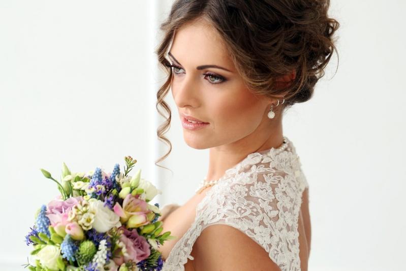 Penteados de Casamento Noivas Vila Paiva - Penteados para Cabelos Cacheados para Casamento
