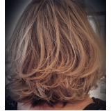 luzes no cabelo curto