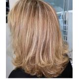 salão para corte de cabelo médio Vila Espanhola